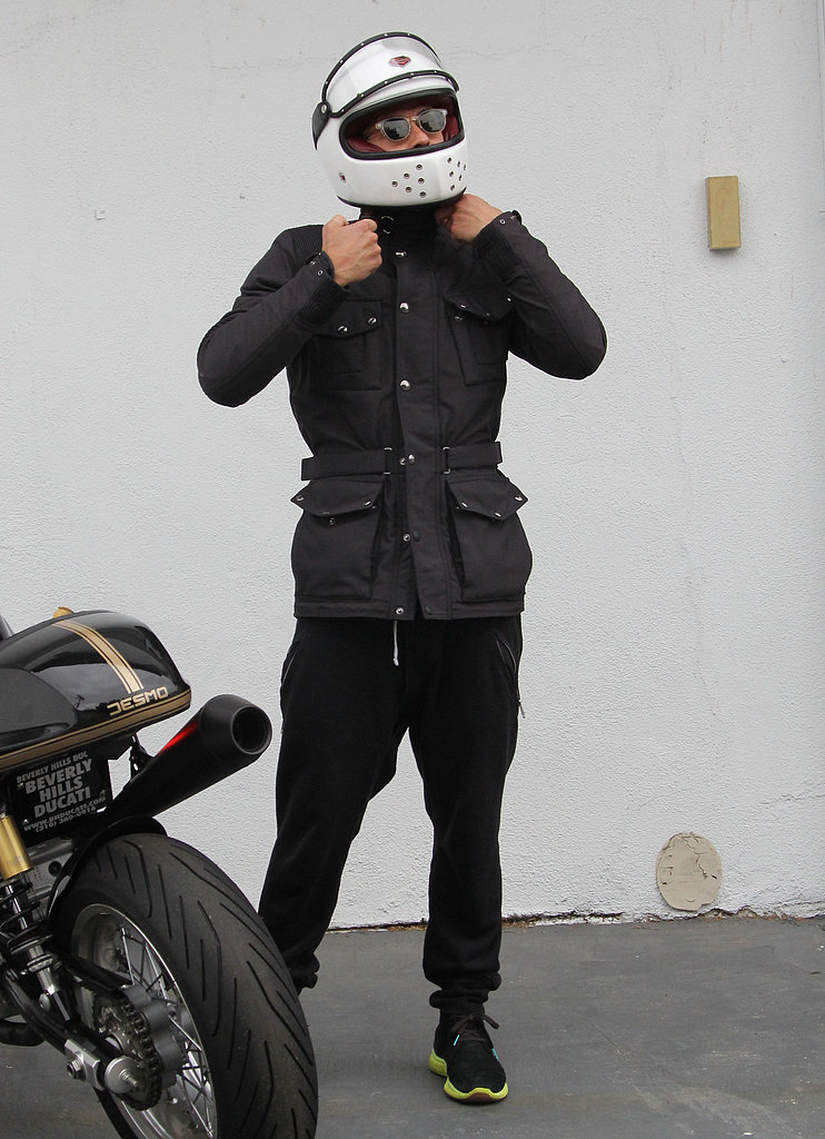 Orlando Bloom wore a helmet.