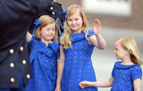 The royal sisters were adorable in their matching blue dresses.