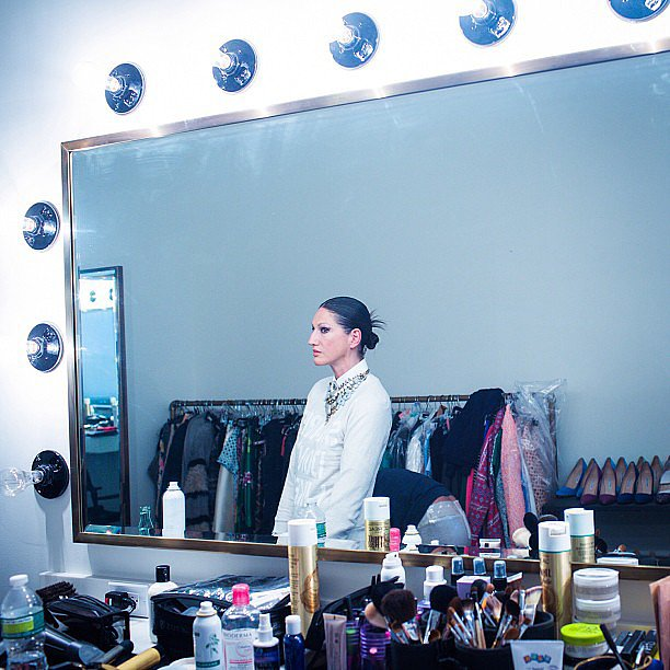 J.Crew creative director Jenna Lyons showed off how a cat eye is done while primping for the Met Gala. Source: Instagram user jcrew