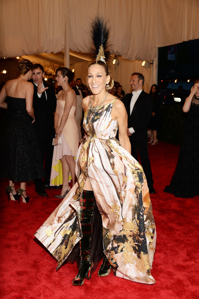 Sarah Jessica Parker wore a dress by Giles Deacon.