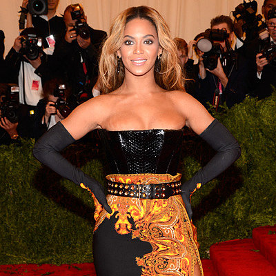 Celebrities on the Met Gala Red Carpet 2013