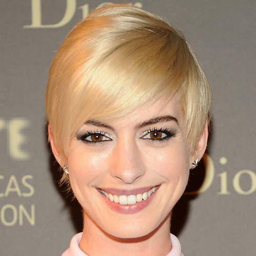 Anne Hathaway Blonde Hair at Tate Dinner | Video
