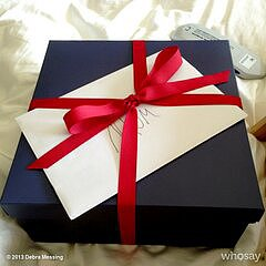 Debra Messing received a nicely tied-up gift from her son. Source: Twitter user DebraMessing