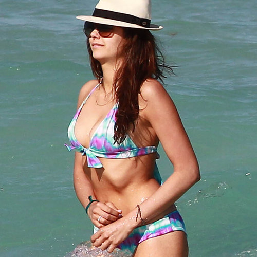 Nina Dobrev's Stomach Toning Workout