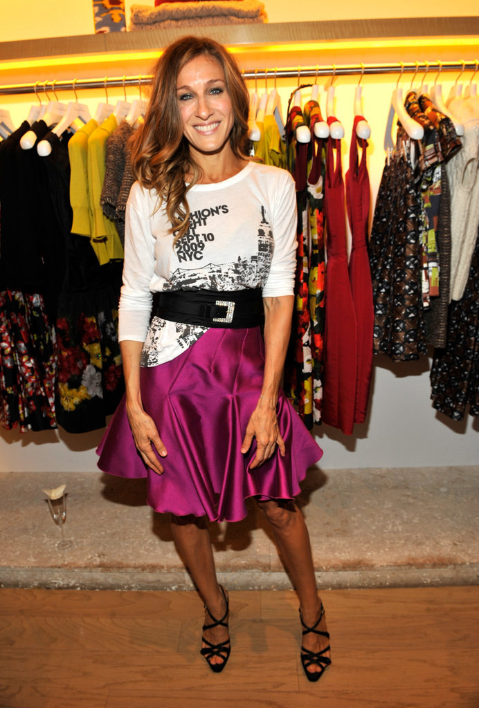 Only SJP would think to dress up a basic tee with a fluttering fuchsia skirt and wide crystal-detail belt during NYC's Fashion's Night Out in 2009.