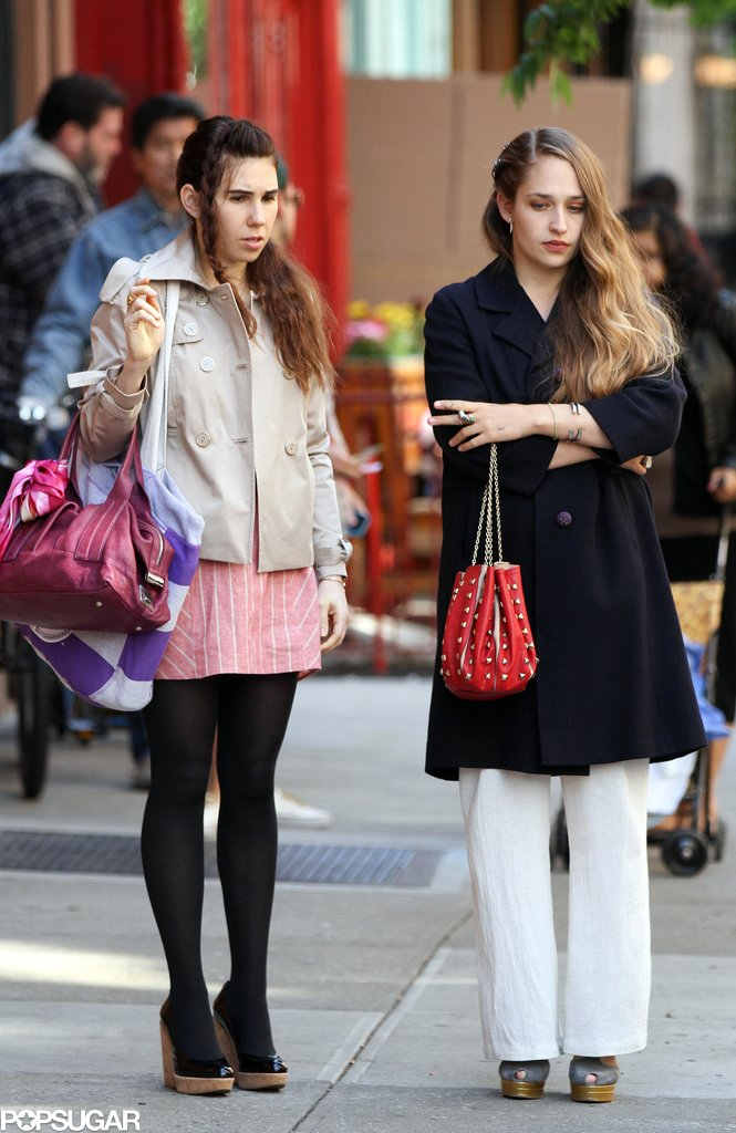 Girls costars Zosia Mamet and Jemima Kirke shot new scenes in NYC on Tuesday.