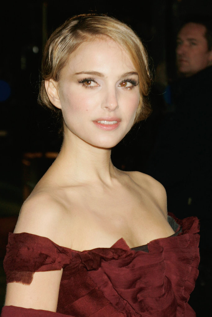 While promoting The Other Boleyn Girl in 2008, Natalie Portman was rocking some seriously blonde strands. Perhaps costar Scarlett Johansson had some influence on her?