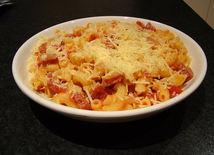 Red Pepper and Salami Pasta
