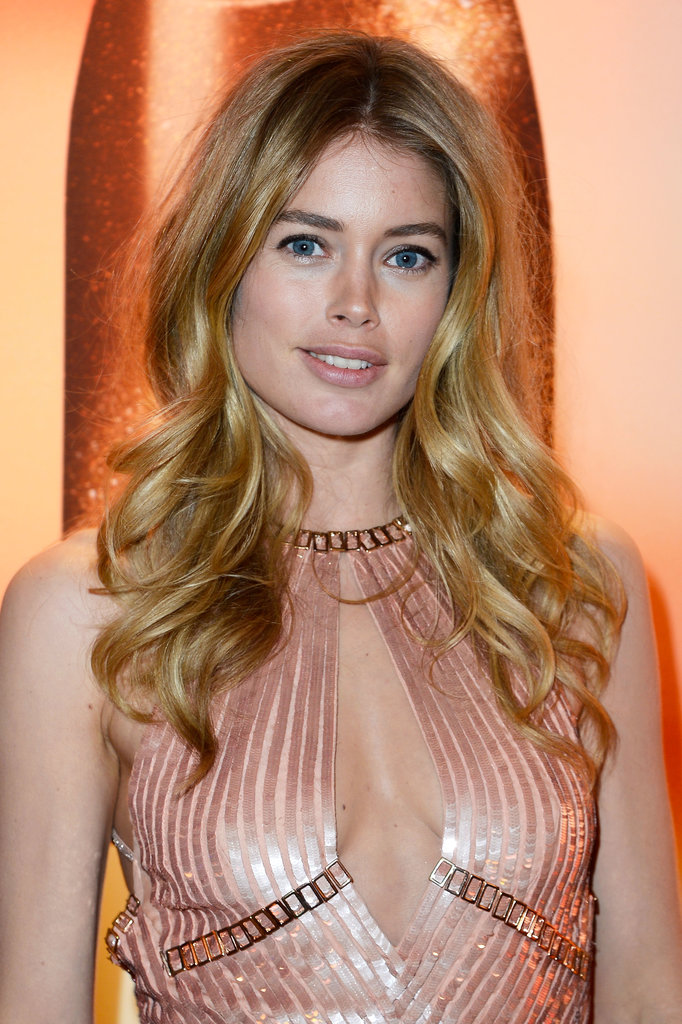 Doutzen Kroes went for more natural hair and makeup with this look — and we likey!