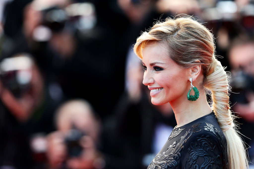 Model Adriana Karembeu wore a modern take on the ponytail on the Cleopatra red carpet at the Cannes Film Festival, giving edgy brides everywhere a style to swoon over.