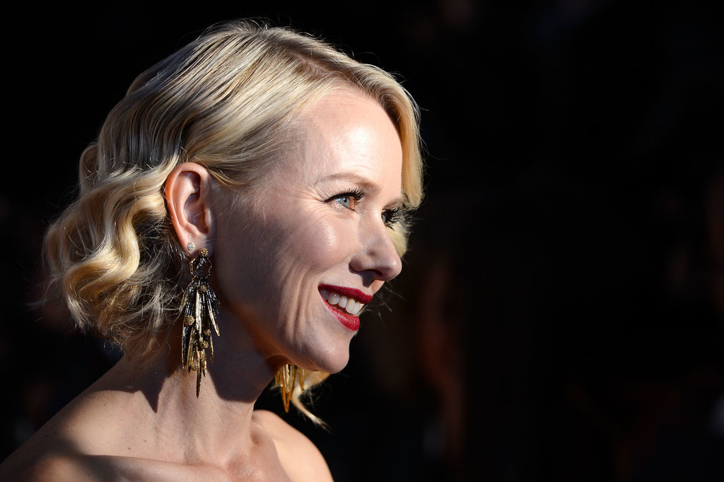 Aussie beauty Naomi Watts took her shorter 'do glam with soft waves and a side part.