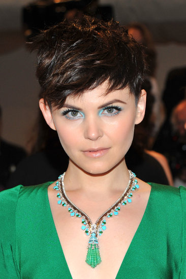 We always admire Ginnifer for her creative makeup choices, and at the 2011 Met Gala, she chose to complement her blue-green jewelry with aquamarine eye shadow.