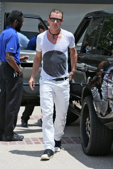 Gavin Rossdale wore white to Joel Silver's Malibu party on Monday.