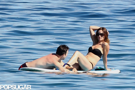 Olivia Wilde and Jason Sudeikis went paddleboarding in Hawaii on Monday.