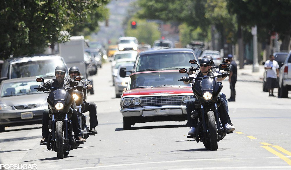 Charlie Hunnam and the cast of Sons of Anarchy took to the LA streets on Wednesday to film new episodes.