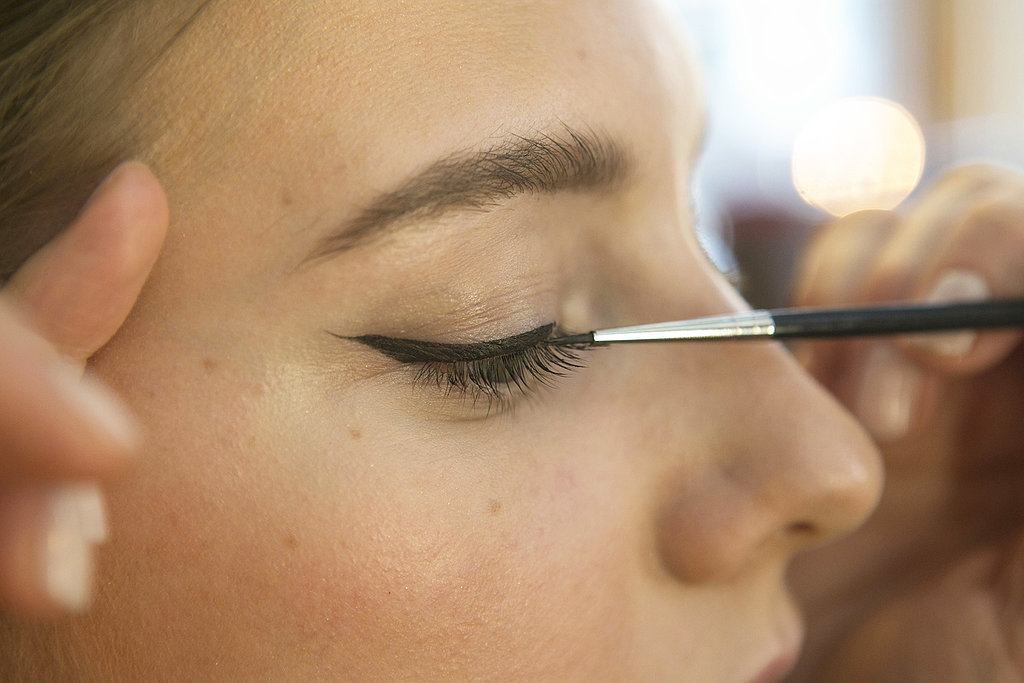Then line the upper lash line.