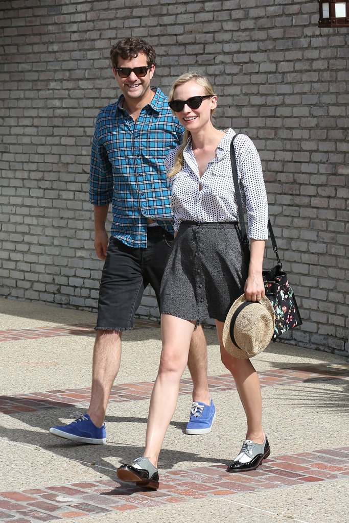 Cool couple Diane Kruger and Joshua Jackson walked in sync on their way to Joel Silver's Memorial Day beach party in Malibu.