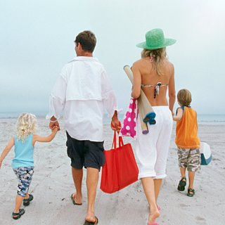 Beach Bag Packing List For Moms