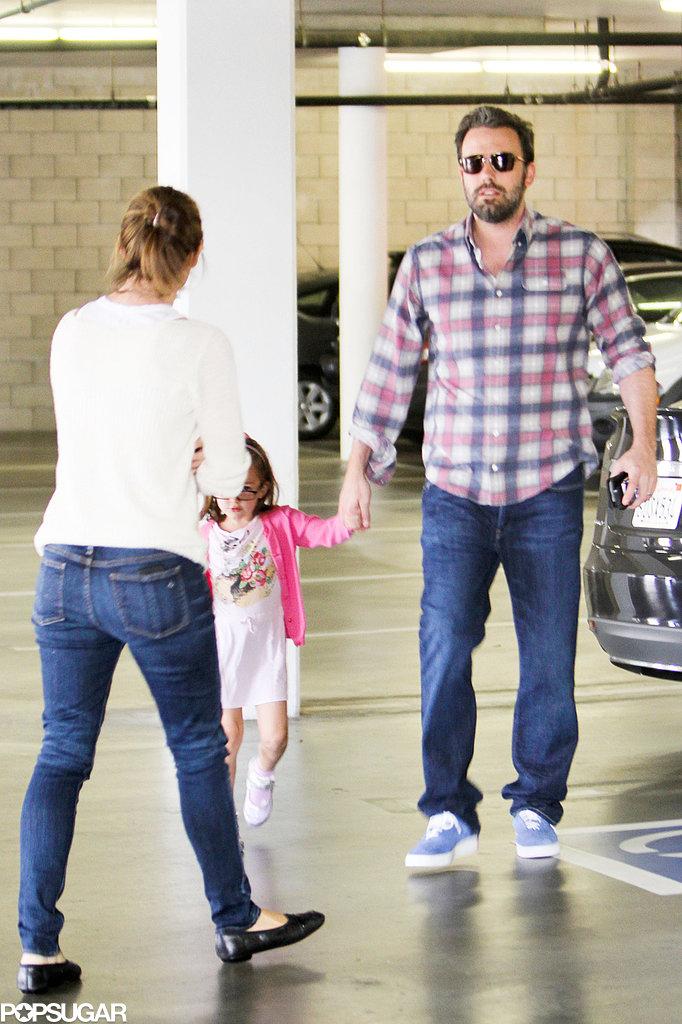 Jennifer Garner Gets Back to Ben and Her Girls