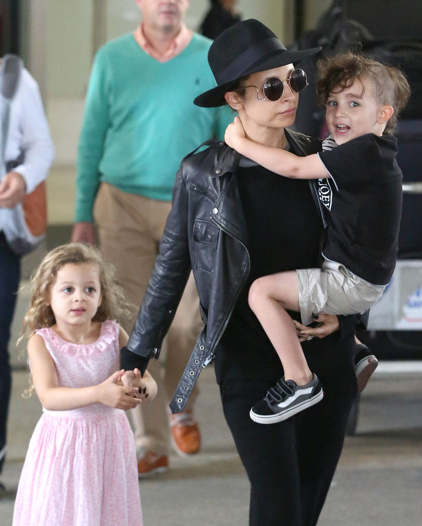 Nicole Richie and her little ones, Sparrow and Harlow, jetted out of LA.