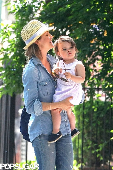 Keri Russell carried her daughter, Willa, around NYC.