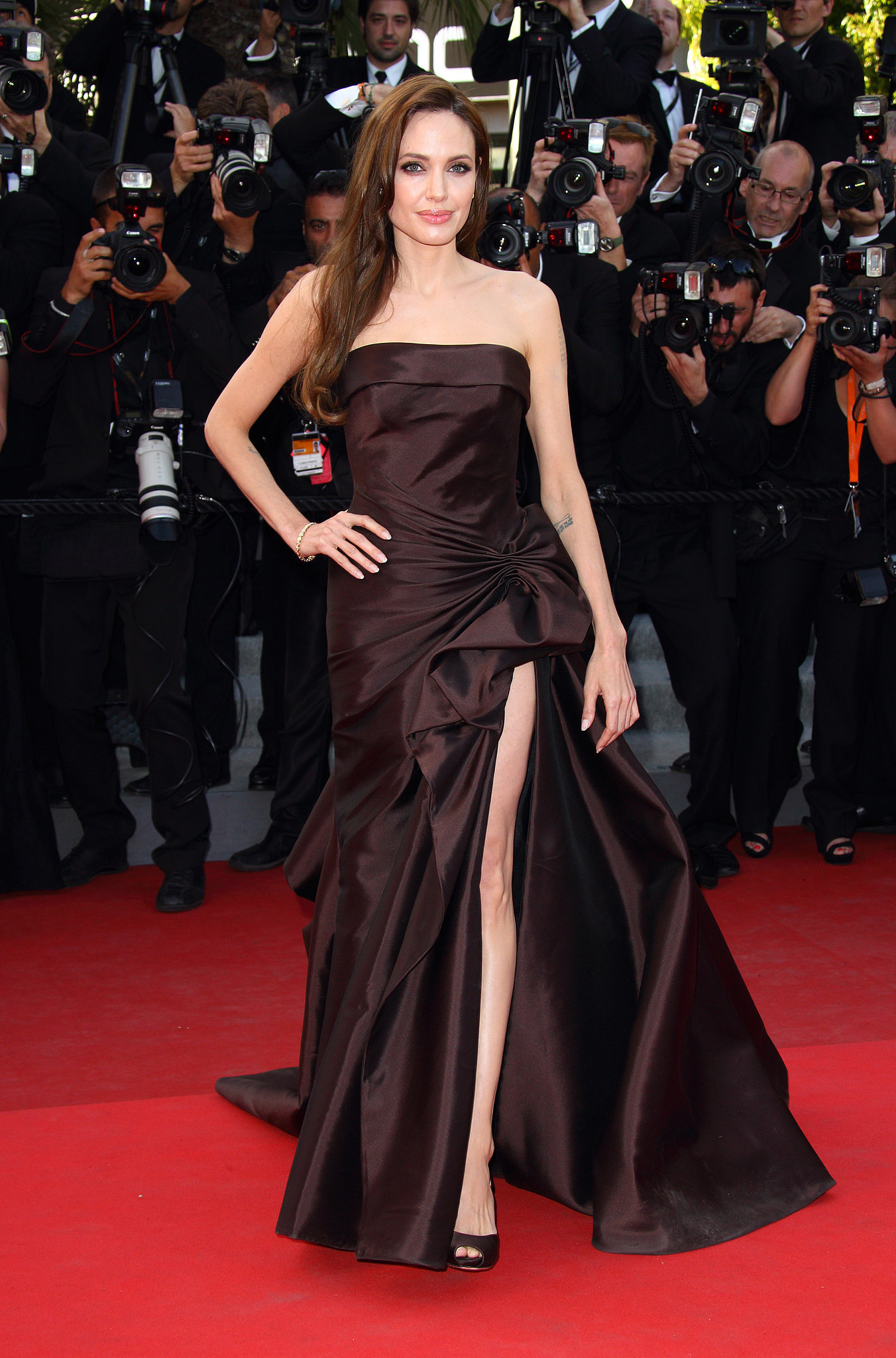 Angelina jolie red carpet dresses - photo#13