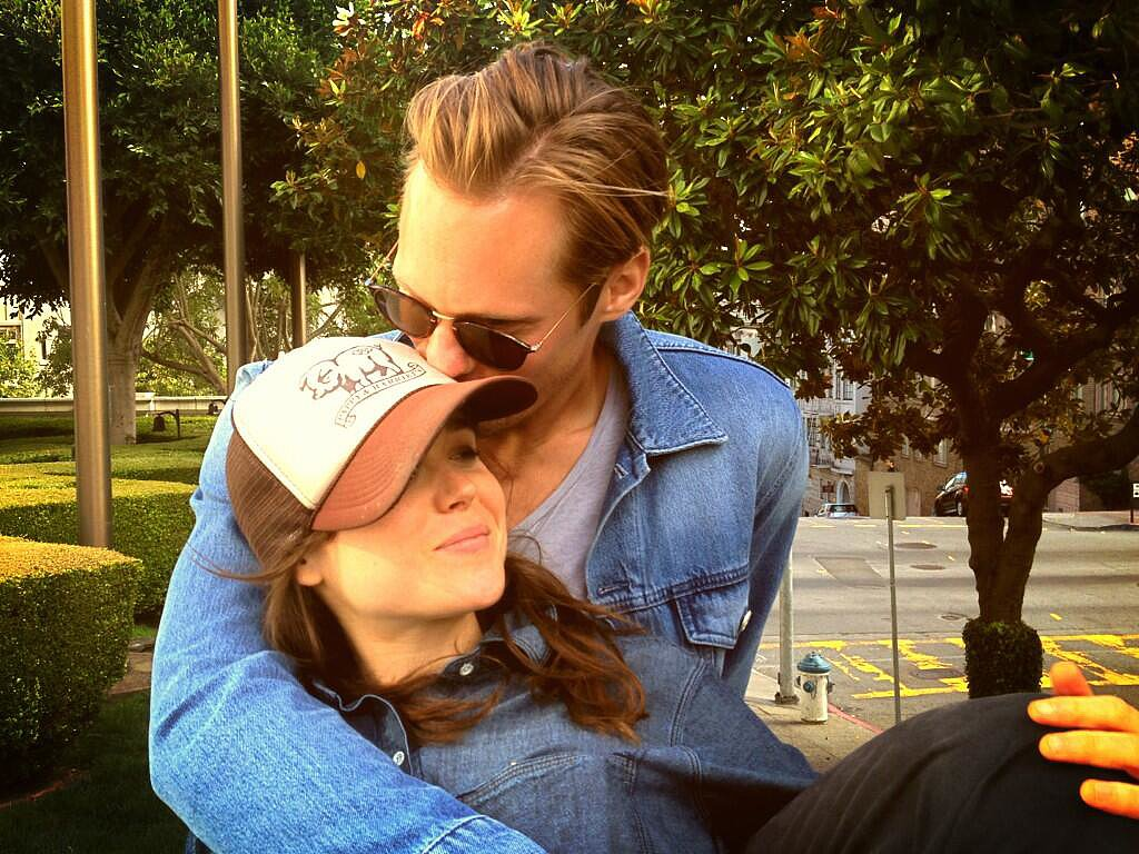 Alexander Skarsgard snuggled with Ellen Page. Source: Twitter user z_al