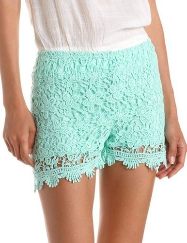 Scalloped Hem Crochet Short