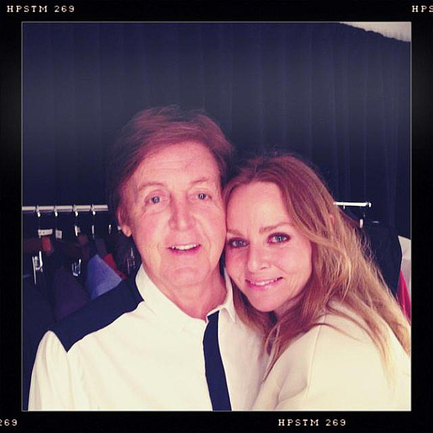 Mom-designer Stella McCartney and her dad, Paul, snapped a cute photo before his Brooklyn concert. Source: Instagram user stellamccartney