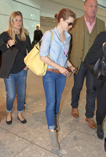 Amy Adams proved that a denim-on-denim mix shouldn't solely be reserved for the streets. It can look equally cool on an airplane, especially when mixed with a few neutral accessories.