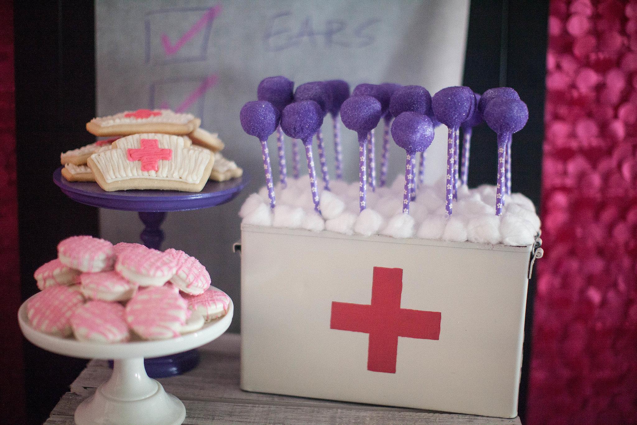 Dr Mcstuffins Cake Pops