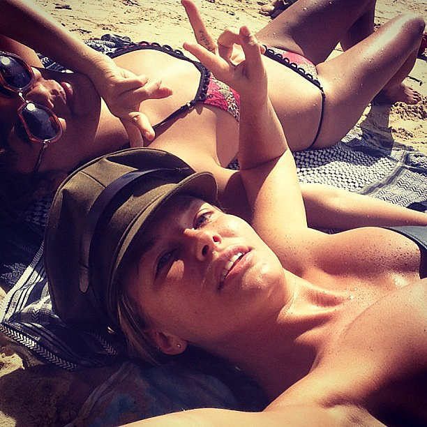 Lara Bingle went to the beach with her friend Vicki Lee. Source: Instagram user mslbingle