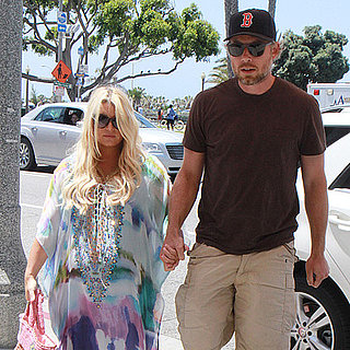 Pregnant Jessica Simpson Out to Lunch With Eric Johnson