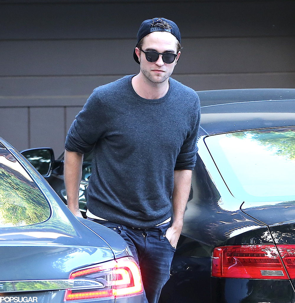 Robert Pattinson prepared for his party.