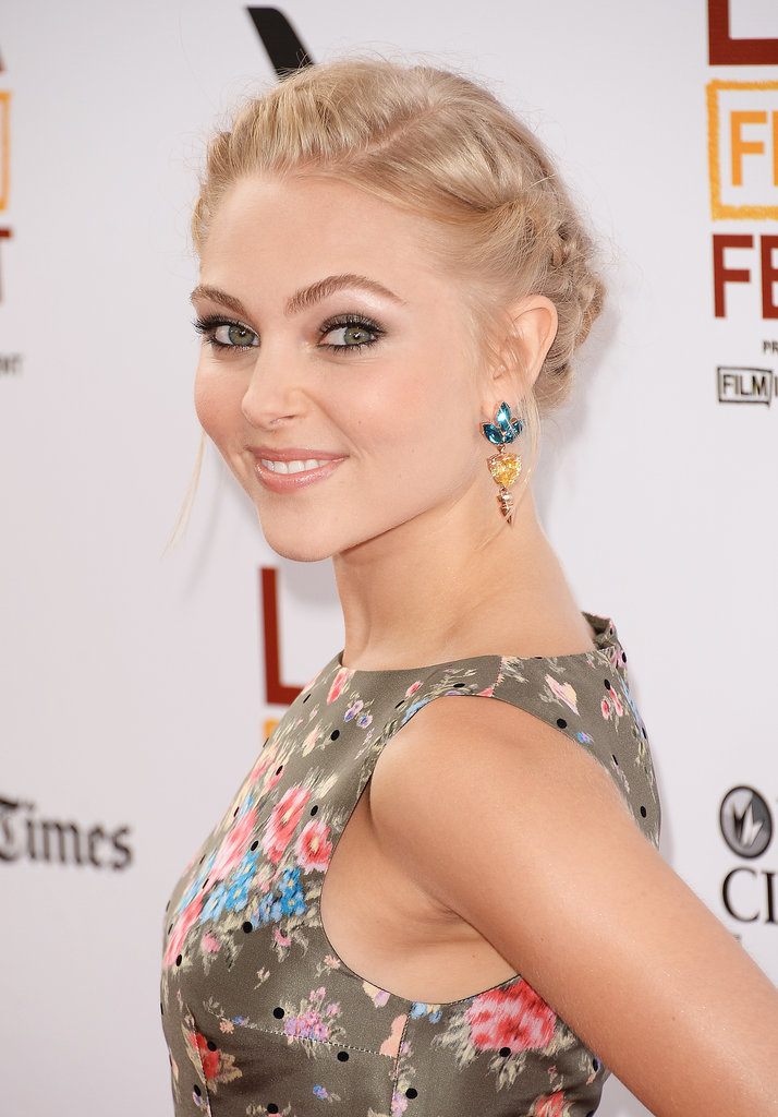 Stepping out on the red carpet for the premiere of The Way, Way Back earlier this week, AnnaSophia Robb showed off a stunning Summer braid hairstyle.  Learn how to re-create her exact look.