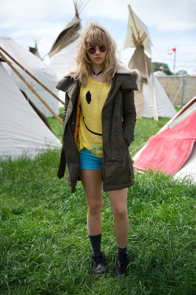Suki Waterhouse wore a smiley face t-shirt.