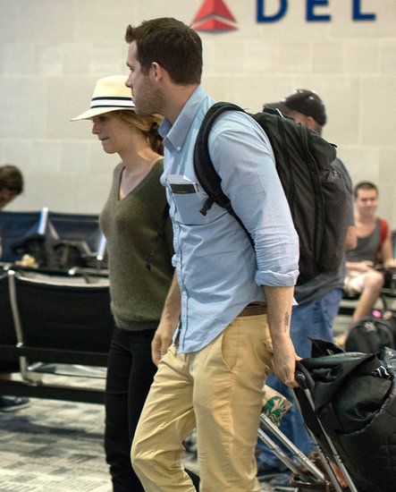 Ryan Reynolds and Blake Lively walked through the airport.