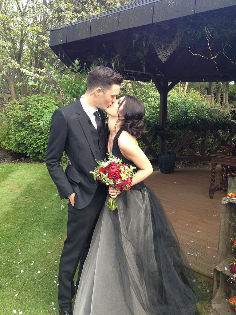 Shenae Grimes got married in a black Vera Wang gown. Source: Twitter user shenaegrimes