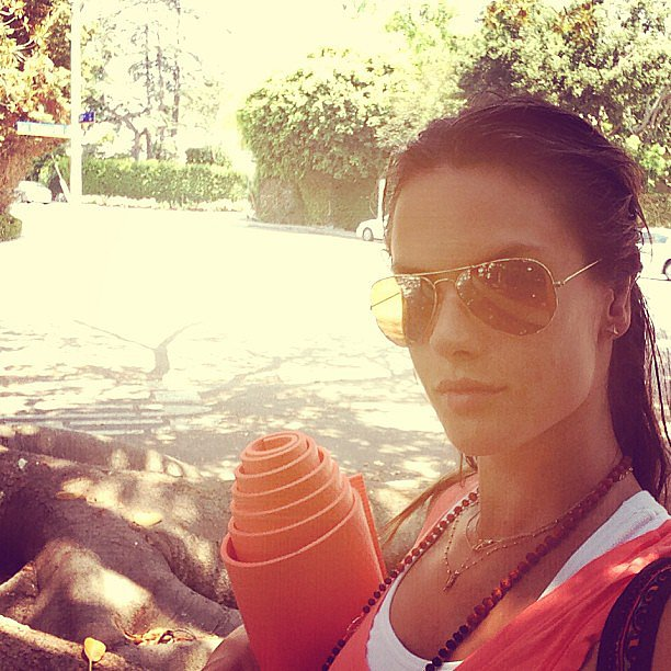Alessandra Ambrosio matched her tank top to her yoga mat. Source: Instagram user alessandraambrosio