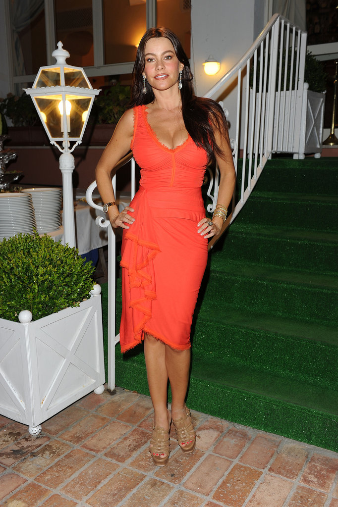 In July 2010, Sofia Vergara punched up an Ischia Global Film and Music event in a salsa-inspired coral creation.