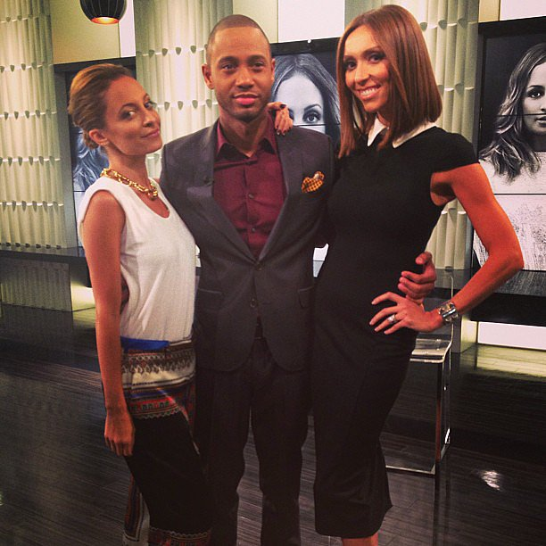 Nicole Richie popped up on the set of E! News. Source: Instagram user nicolerichie
