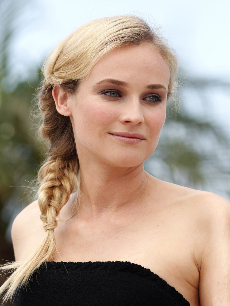 A few years later at the 2009 Cannes Film Festival, Diane did her eyes up in a neutral smoky eye, which she complemented with a polished side braid.