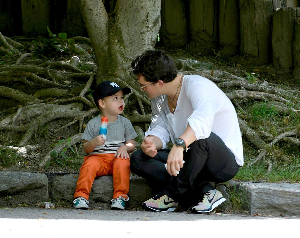 Flynn and Orlando shared a super cute moment at the park in NYC in July 2013.