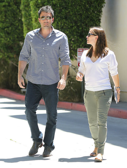 Jennifer Garner and Ben Affleck chatted on their walk.