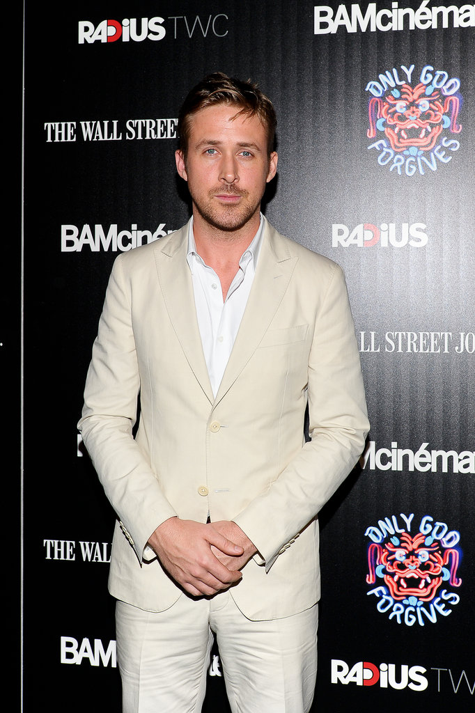 Ryan Gosling wore a cream suit.