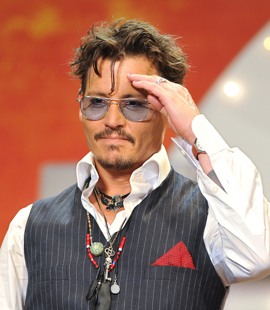 Johnny Depp Walks the Carpet Solo in Tokyo