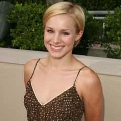 Kristen Bell Birthday Beauty Looks