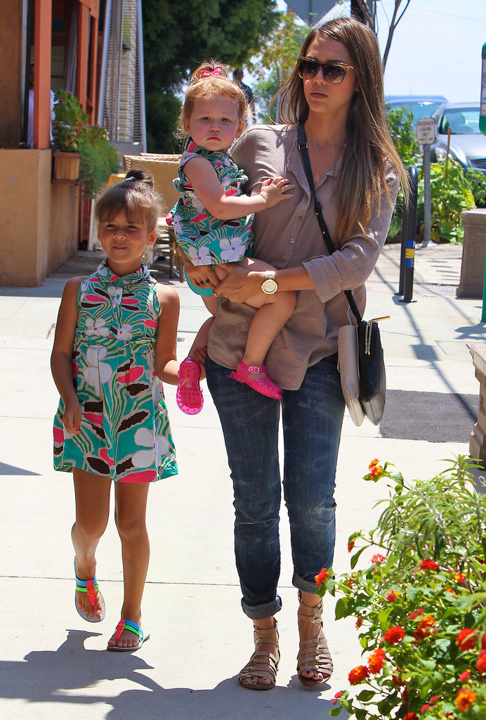 Jessica Alba dressed her daughters in adorable matching outfits for a beach party in LA.