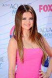 Selena Gomez looked all grown up at the 2012 Teen Choice Awards, opting for sleek, straight hair and a sexy cat eye.