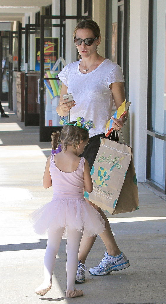 Jennifer Garner picked up her daughter Seraphina from ballet.